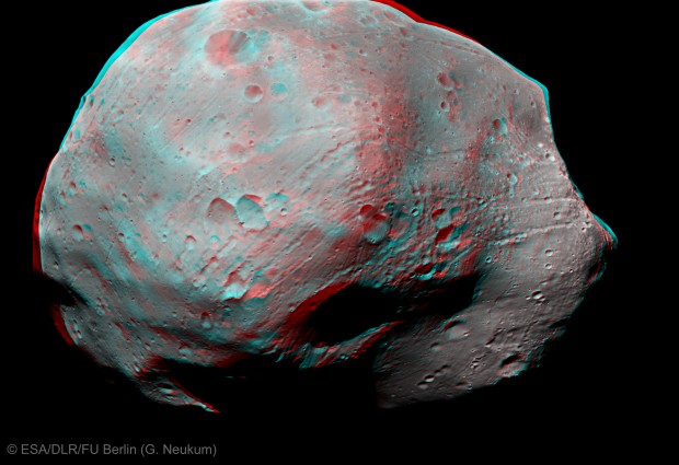 Phobos in 3D, as seen from ESA's Mars Express orbiter. Image credit: ESA/DLR/FU Berlin (G. Neukum).